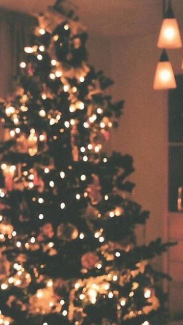 aesthetic christmas wallpaper posted by ethan mercado aesthetic christmas wallpaper posted by
