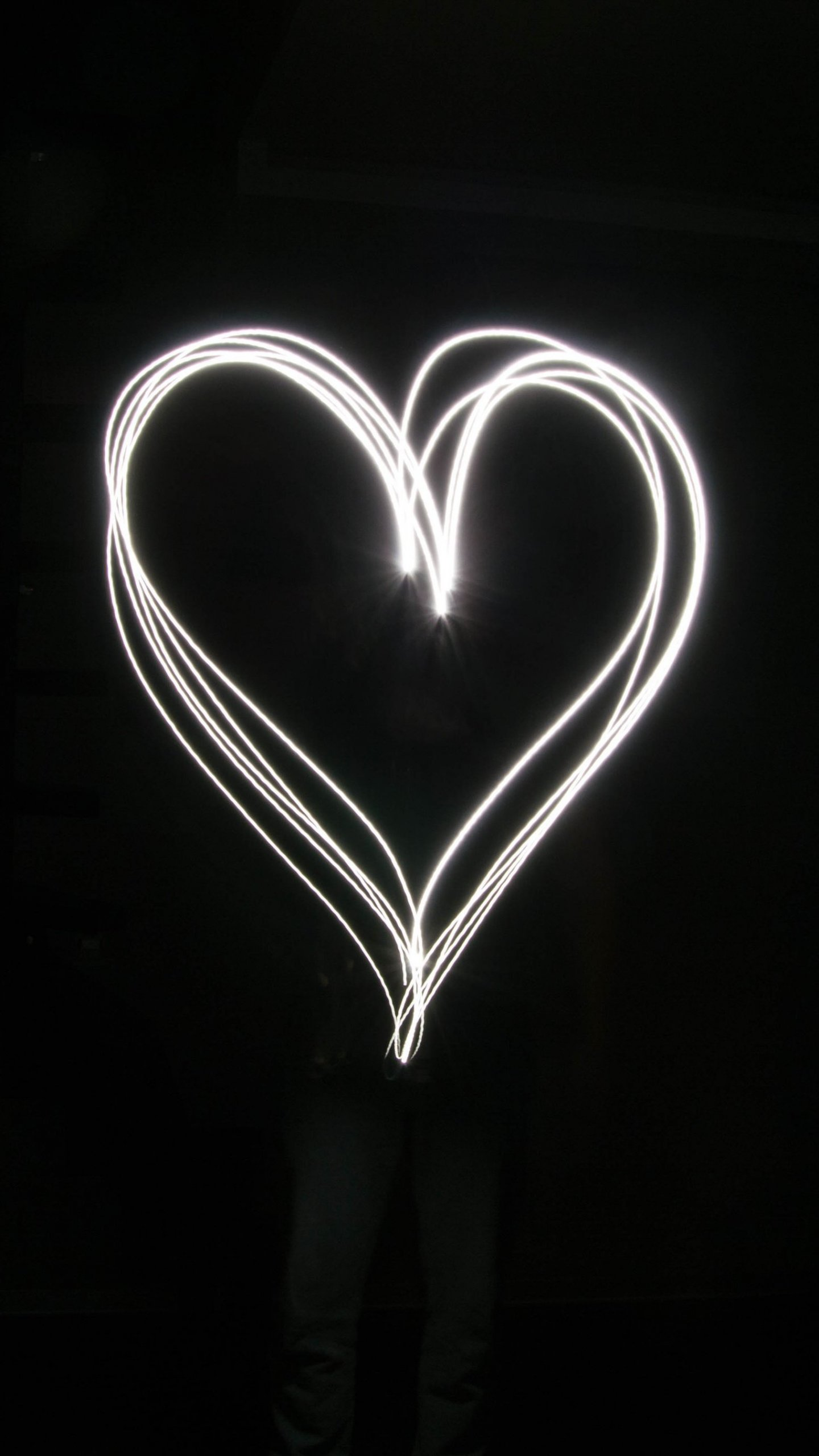 Black And White Heart Wallpaper Posted By Samantha Walker