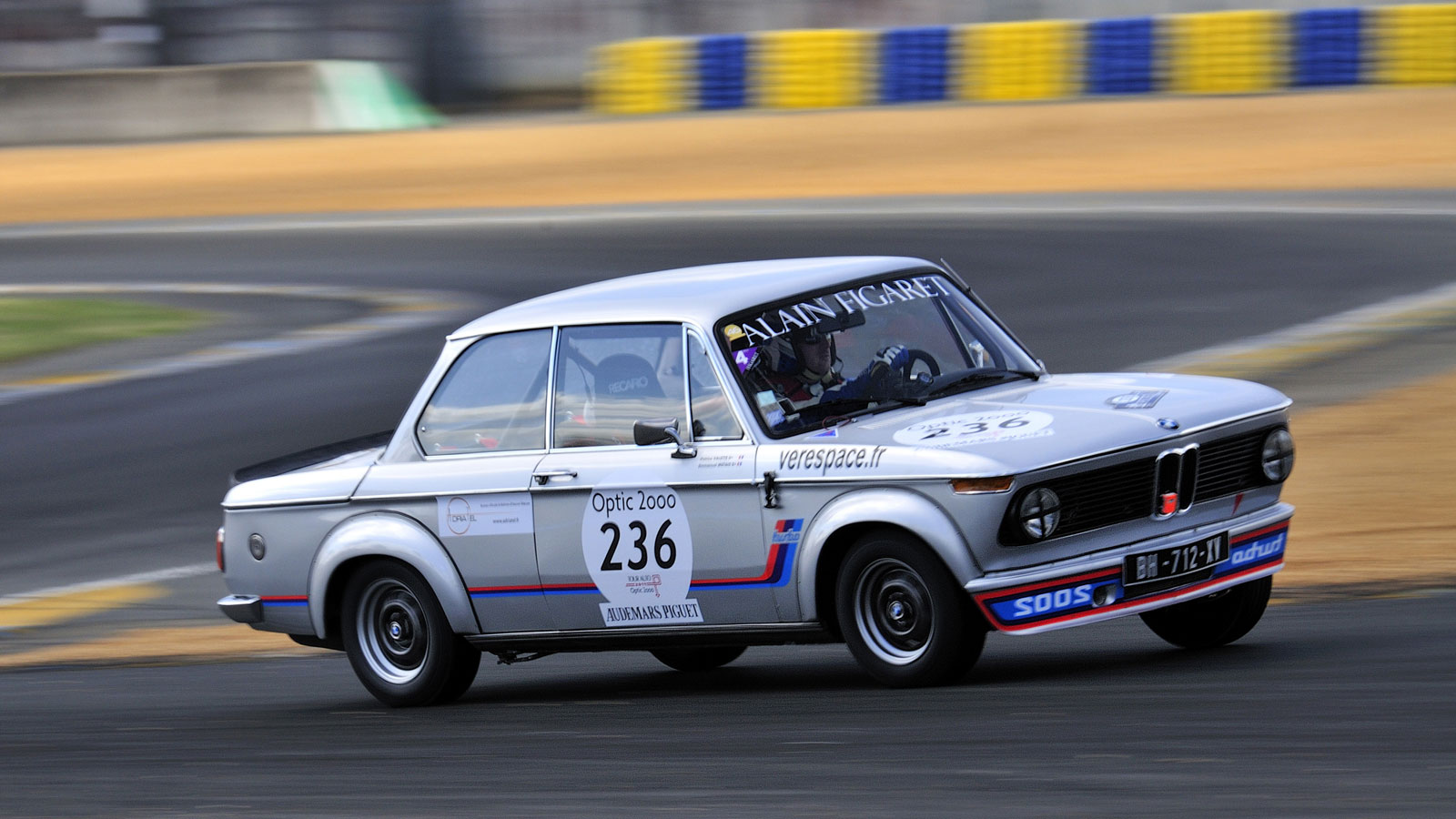 Bmw 2002 Wallpapers Posted By Ryan Johnson