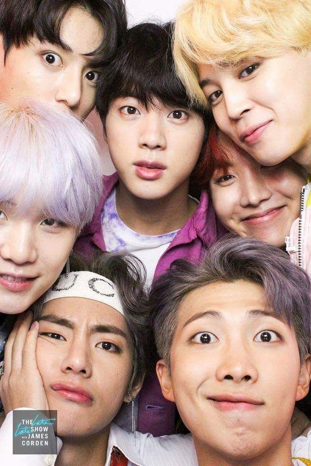 ARMYS MAKE THIS UR WALLPAPER~~ Eek they r so cute Bts