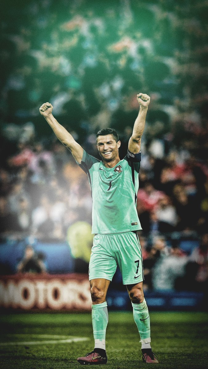 Cristiano Ronaldo Wallpaper Iphone Posted By Zoey Anderson