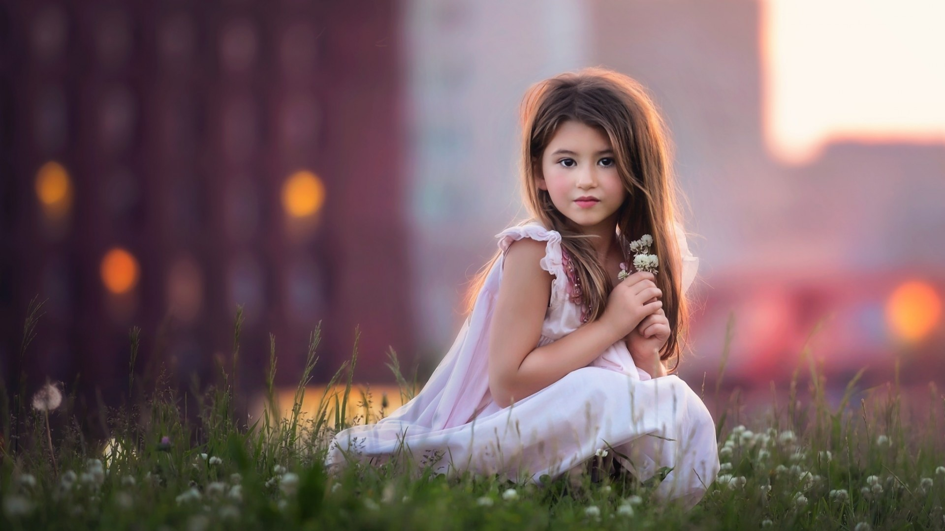Cute Baby Girl Wallpapers posted by John Simpson