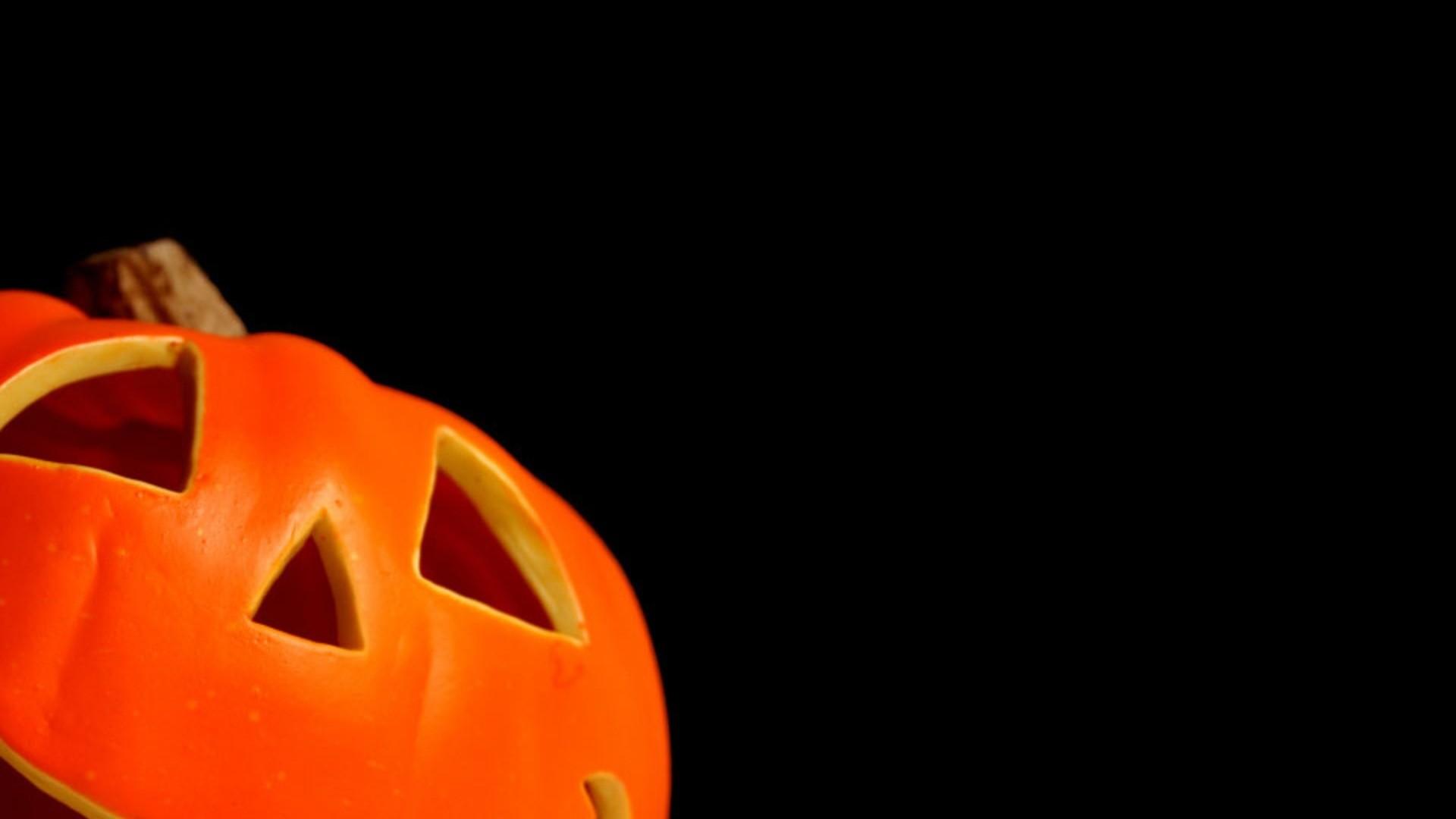 78+ Halloween Desktop Wallpapers on WallpaperPlay