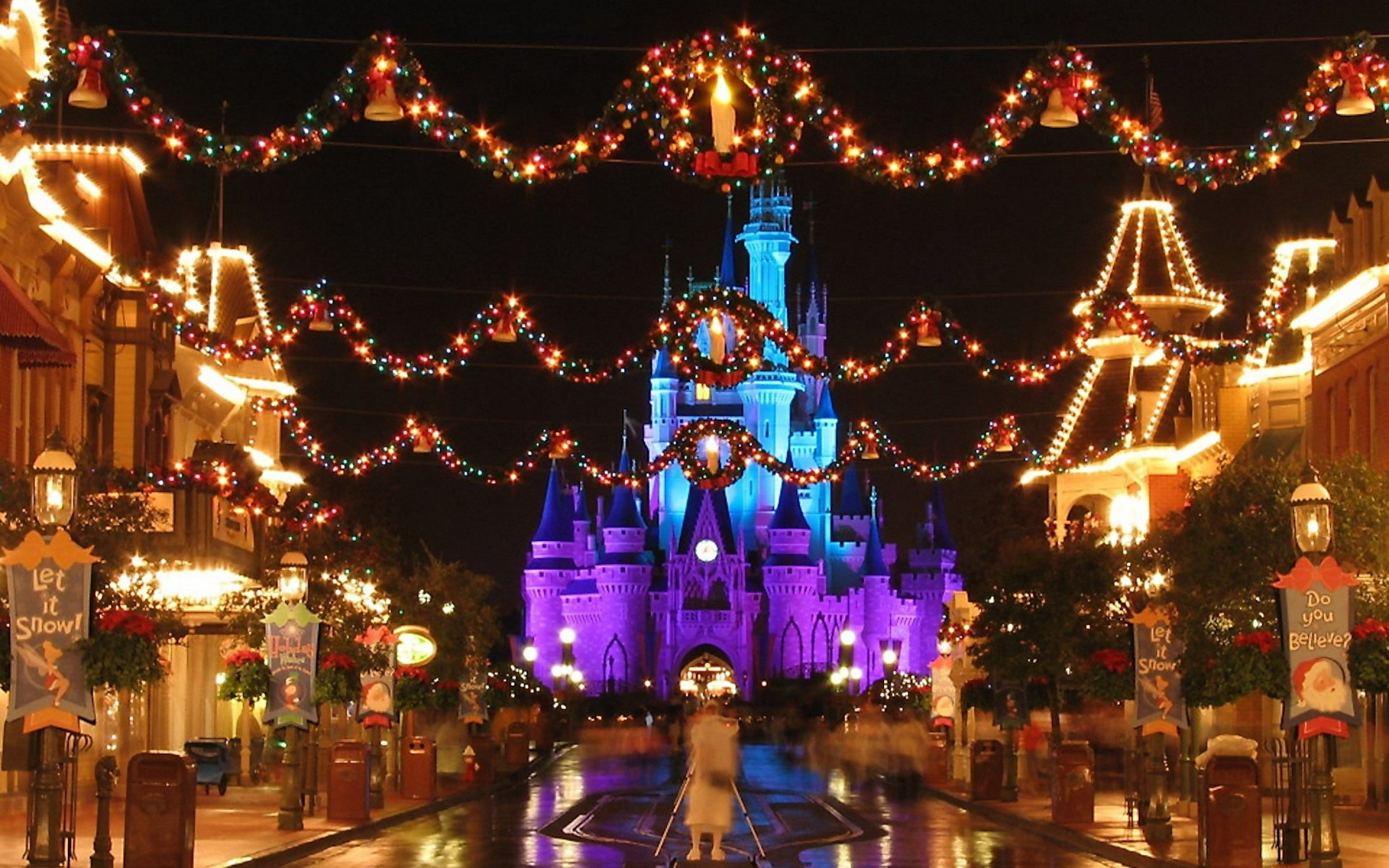 Disney Christmas Wallpaper Iphone Posted By Zoey Cunningham