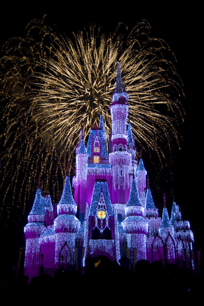 Disney Castle Iphone Wallpaper Real Disney Princess Castle