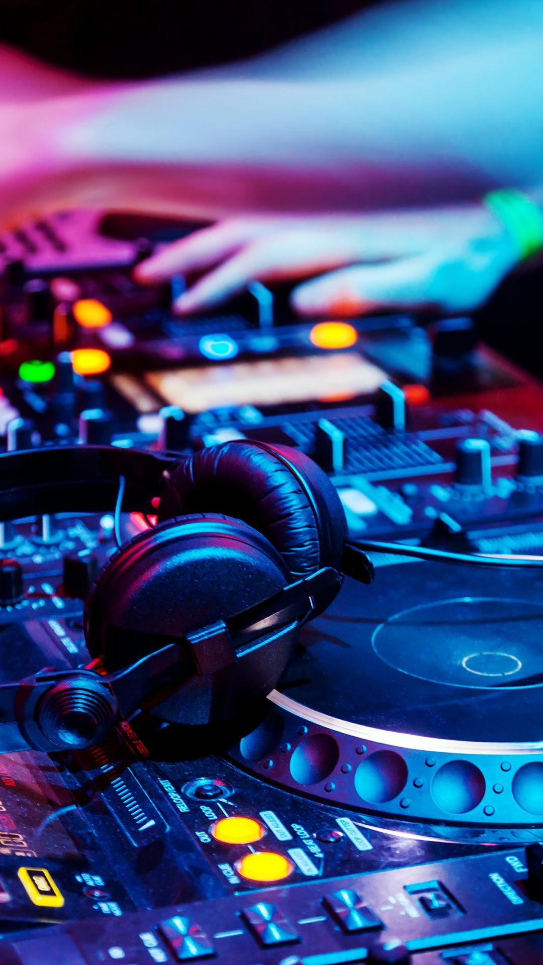 Dj Wallpaper Iphone Posted By Zoey Mercado