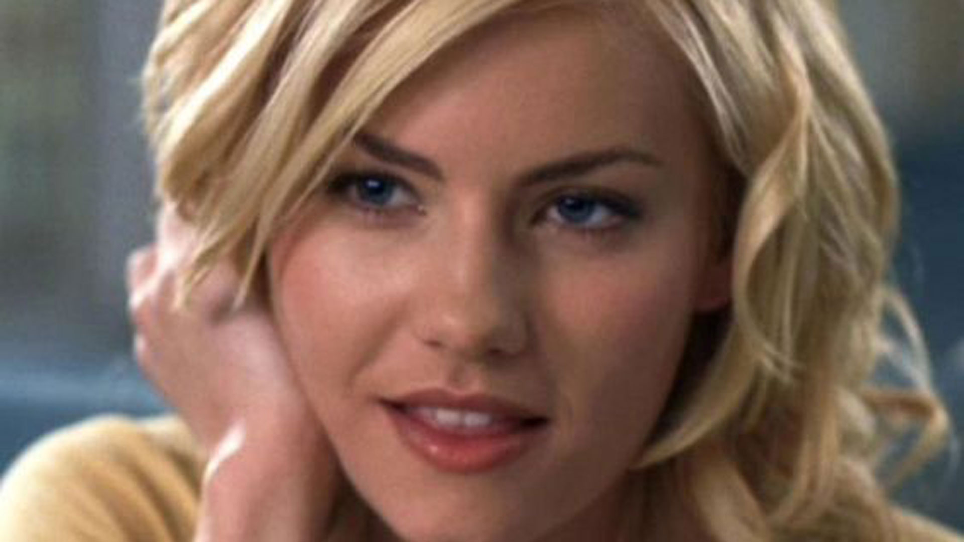 Elisha Cuthbert Girl Next Door Wallpaper Posted By Zoey Sellers