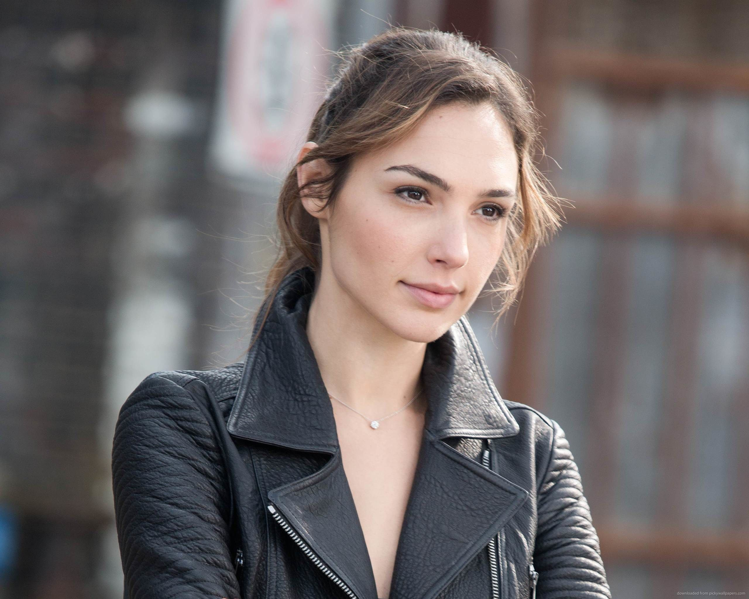 Gal Gadot Hd Wallpaper Posted By Ryan Sellers