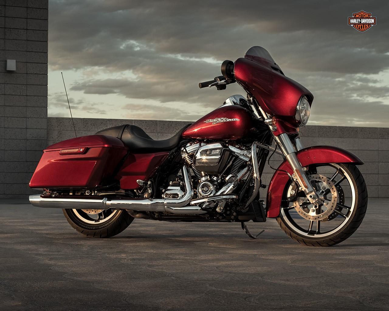 Harley Electra Glide Wallpaper