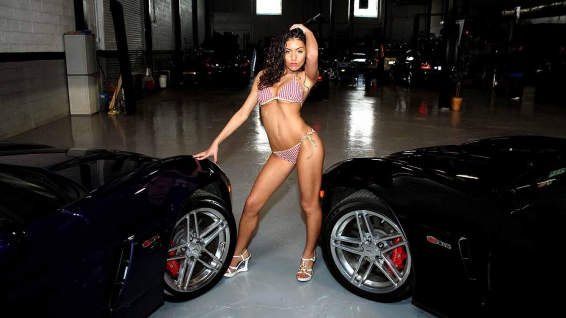 Hot Car Model Wallpaper Posted By John Mercado
