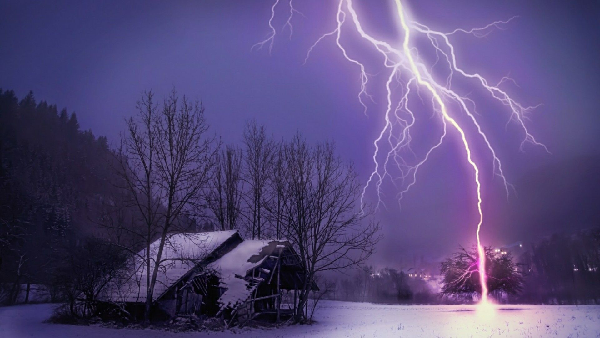 Lightning Strikes Wallpaper Posted By Michelle Simpson