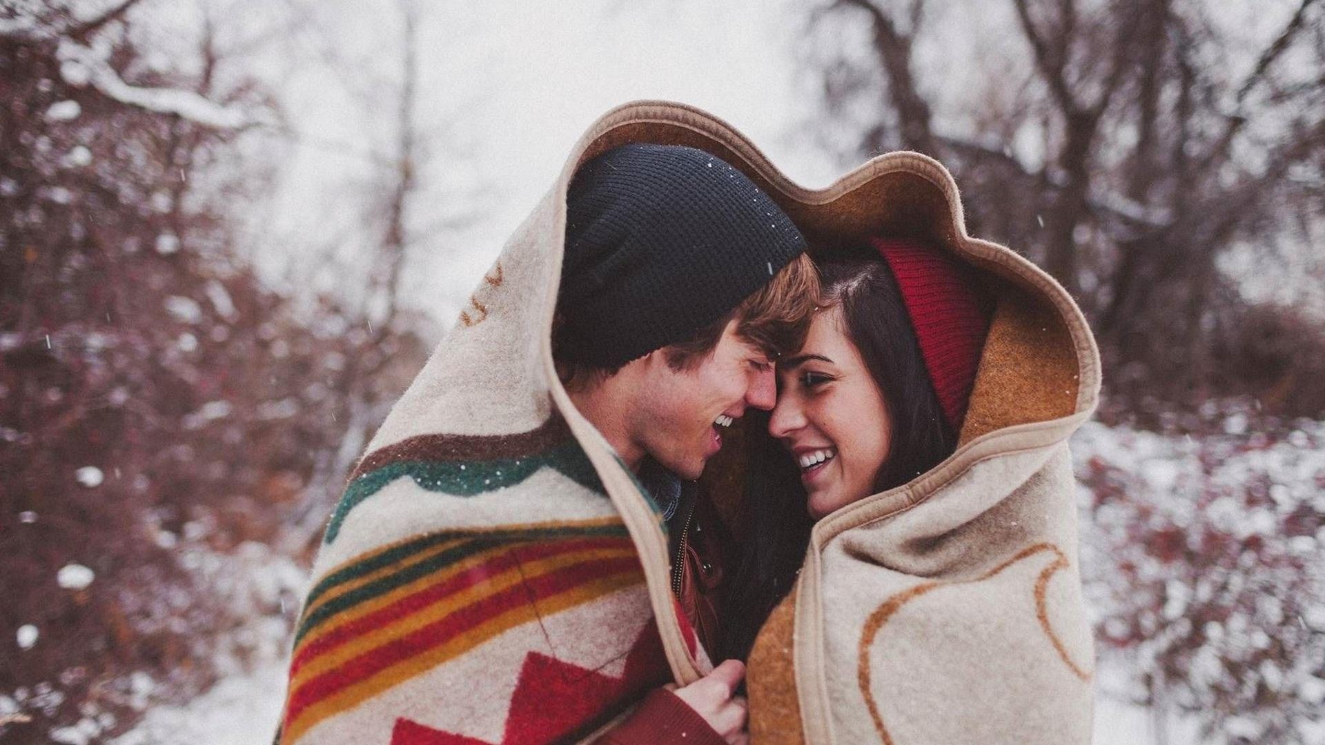 Love Romantic Hug Wallpapers Posted By Samantha Johnson