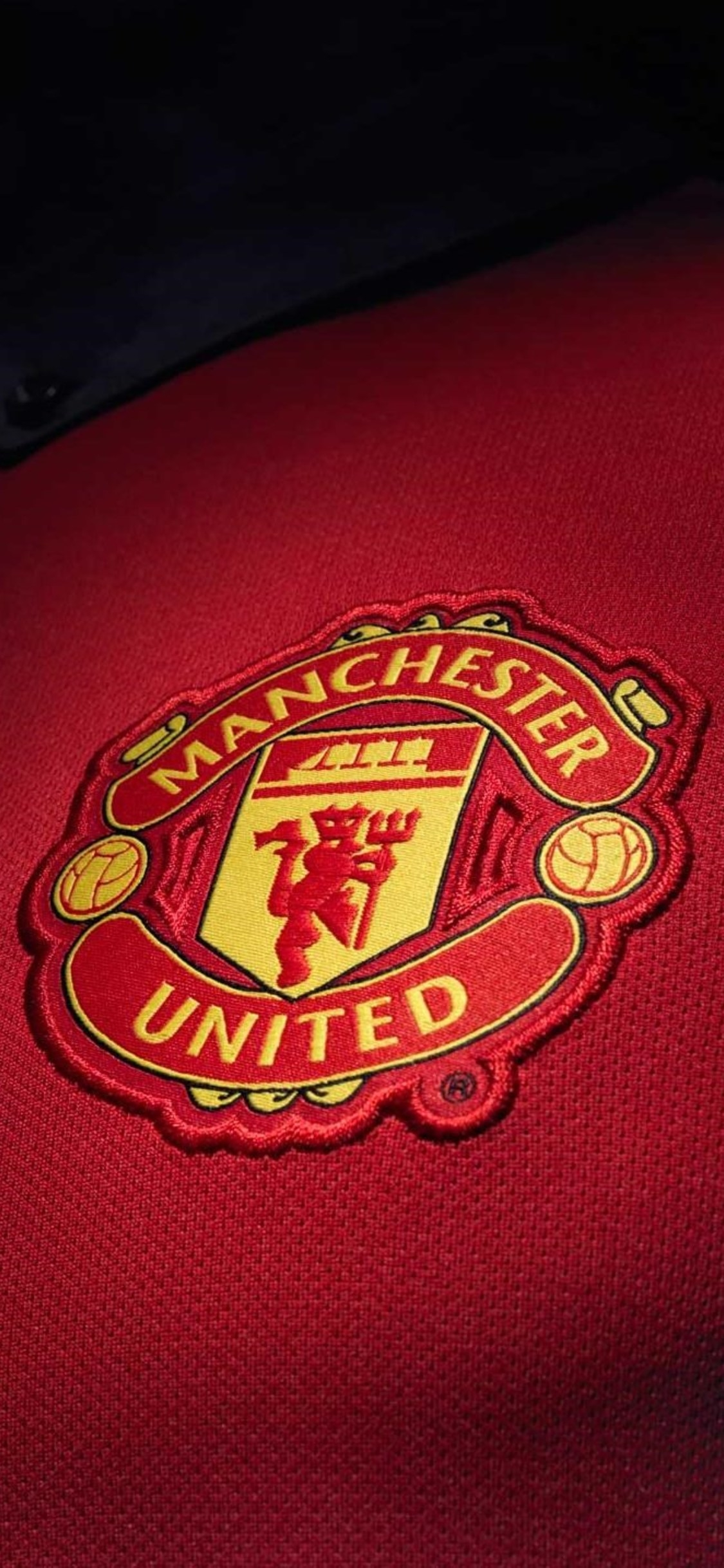 Manchester United Iphone Wallpaper Posted By Zoey Cunningham