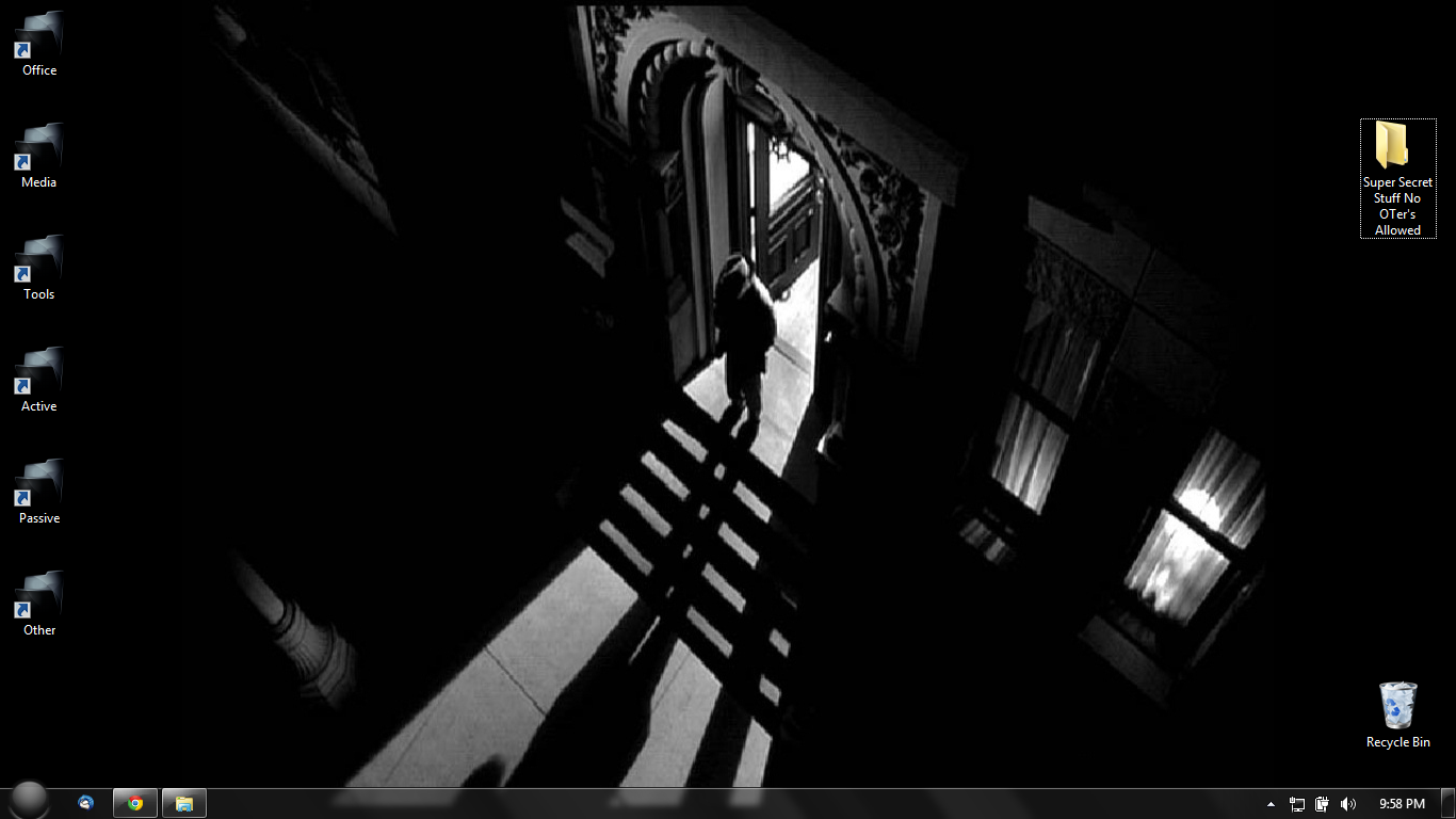 Noir Wallpaper Posted By Sarah Simpson