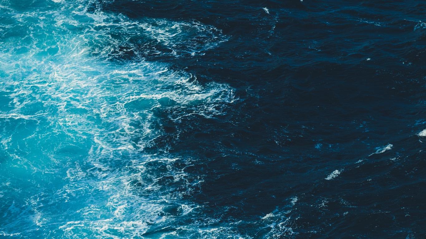 Download wallpaper 1366x768 sea ocean waves tablet laptop