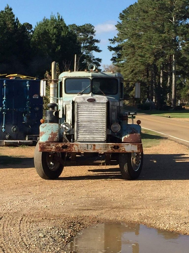 Old Peterbilt Trucks Pictures Posted By Ethan Simpson