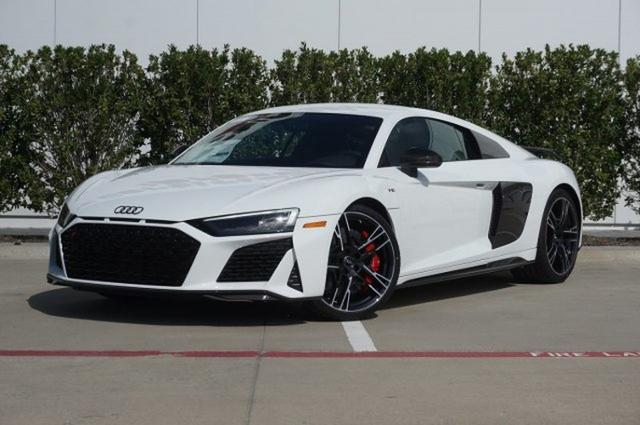 Pics Of Audi R8 posted by John Cunningham