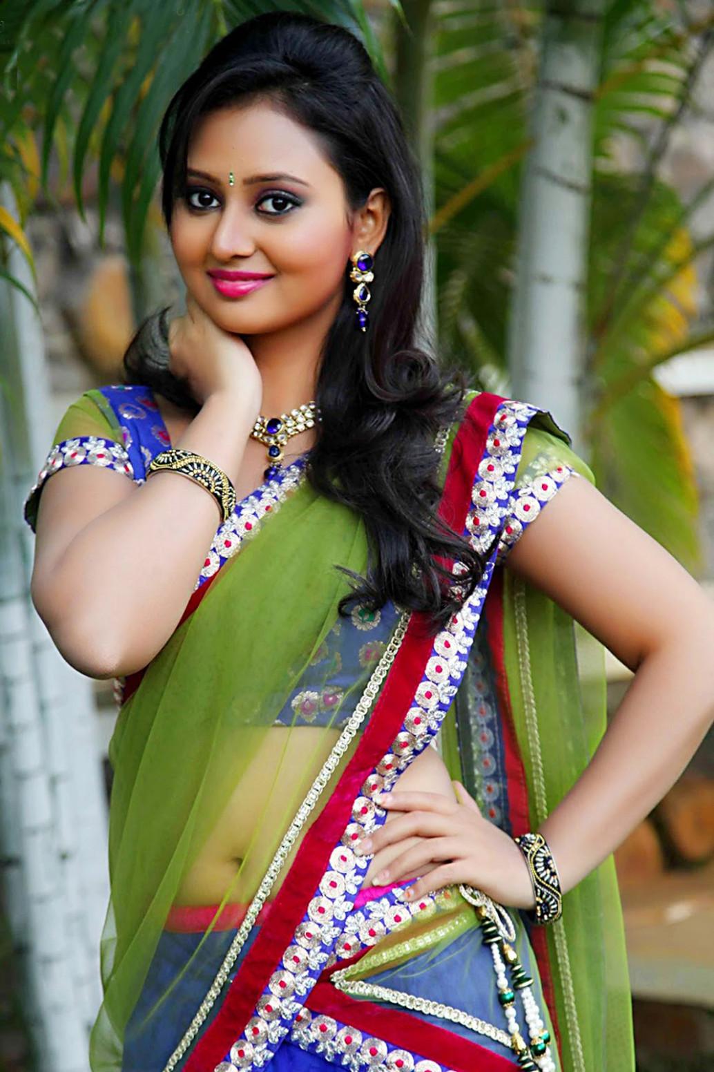 Saree Tamil Actress Hd Wallpapers 1080P / Saree 4k ...