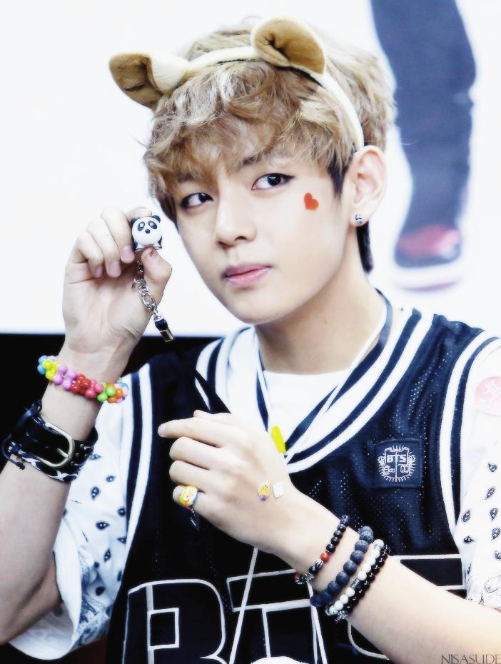 V BTS cute V BTS 40422165 Fanpop