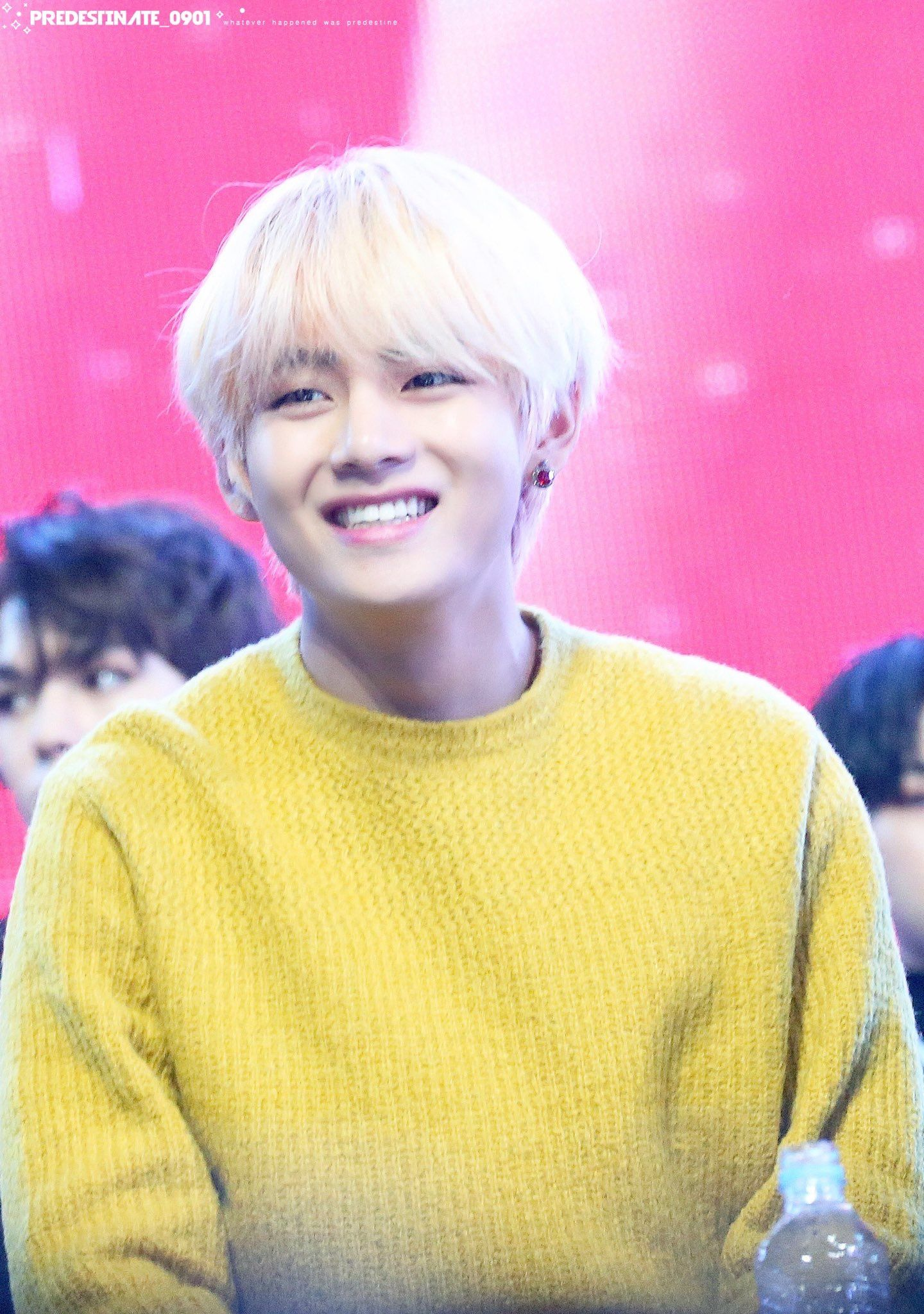 22 Times BTSs V Proved He Has The Most Adorable Box Smile