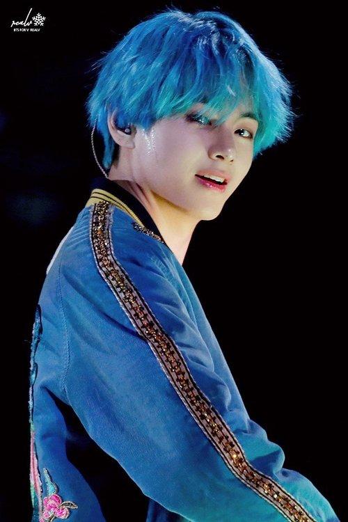 28+ albums of Taehyung Blue Hair Wallpaper Explore