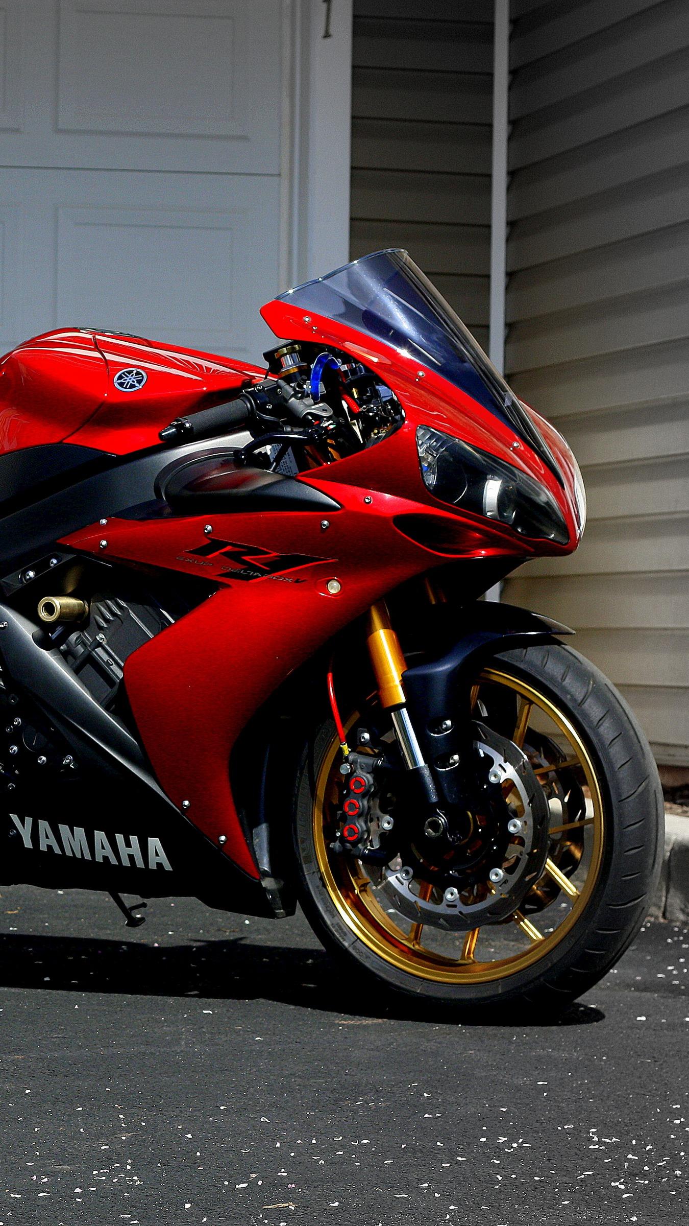 Yamaha R1 Wallpapers Posted By Sarah Mercado
