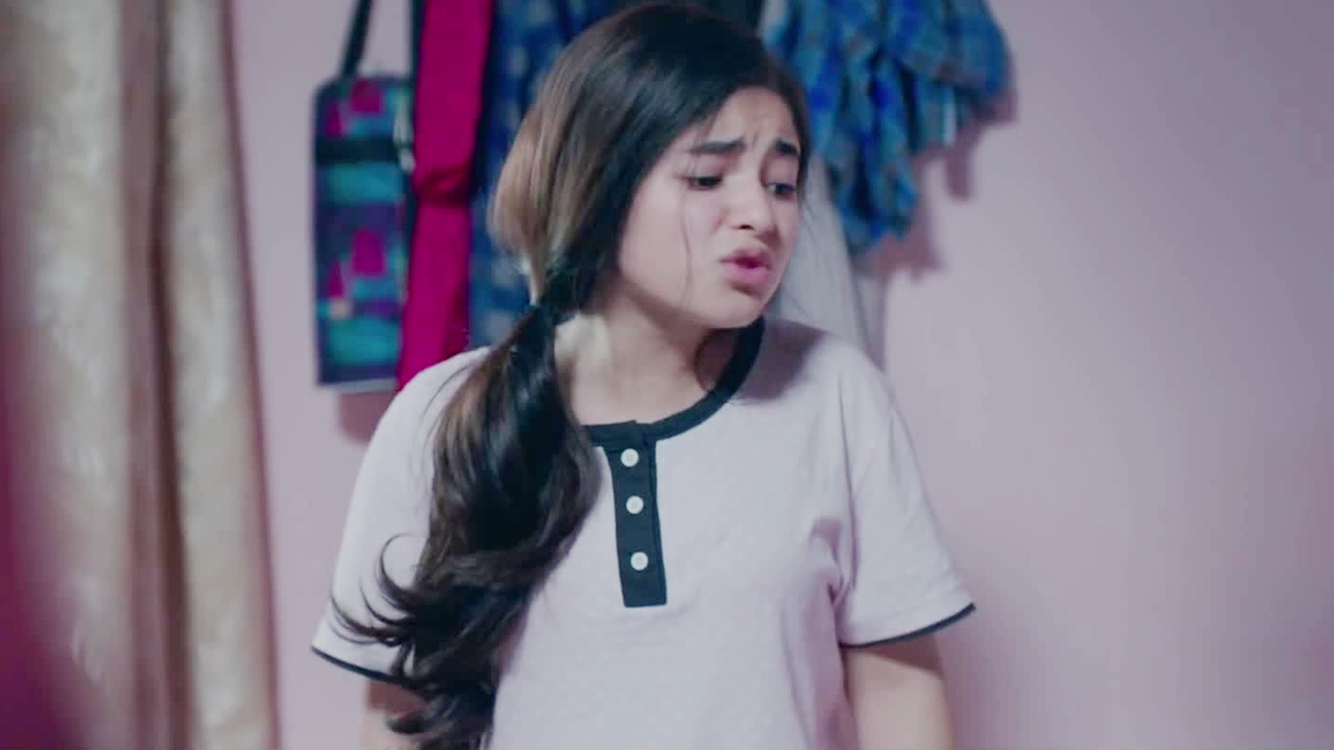Zaira Wasim Wallpapers Posted By Ethan Walker
